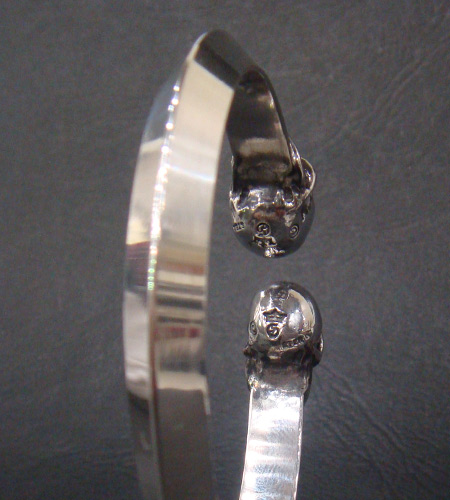 画像4: Skull Triangle Wire Bangle
