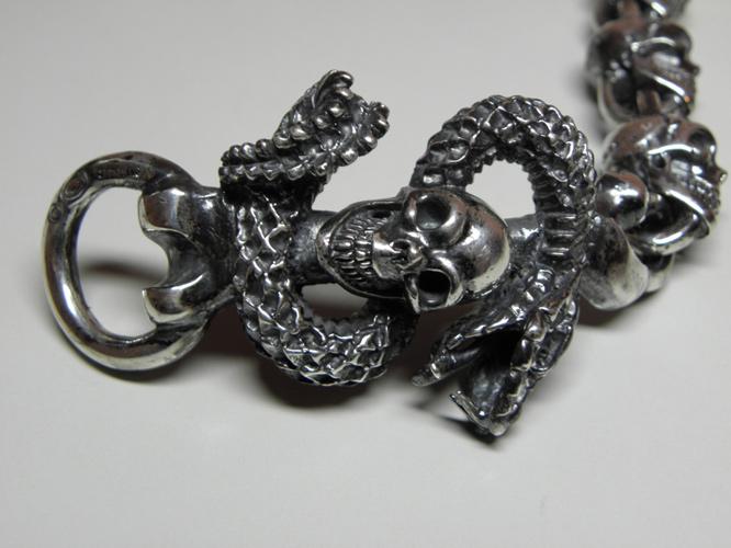 画像2: Skull On Snake With Skulls Links Bracelet