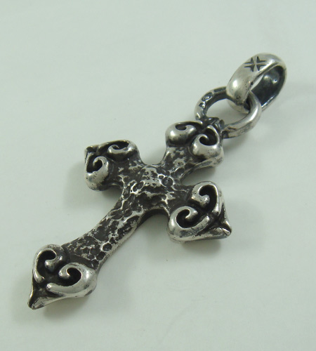 画像3: Quarter 4 Heart Chiseled Cross With H.W.O Pendant