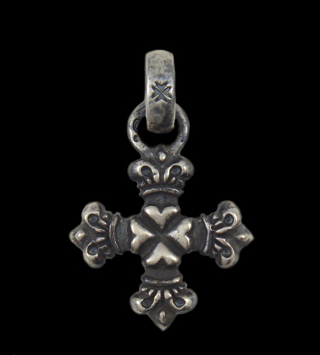 画像1: Quarter 4 Heart Crown Short Cross With H.W.O Pendant