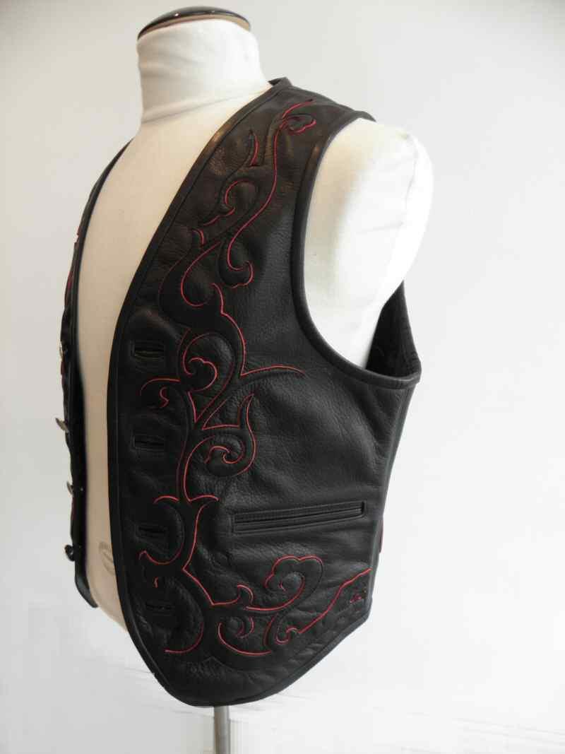 画像3: Gaboratory Tailored Leather Vest (Tribal art work)