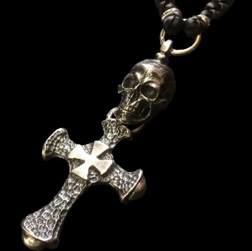 画像1: Large Skull With Hammer Cross & Braid Leather Necklace