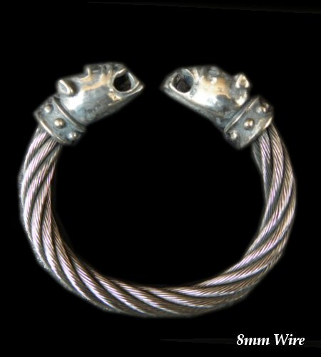 画像1: Bulldog With Stud Bolo Neck Cable Wire Bangle