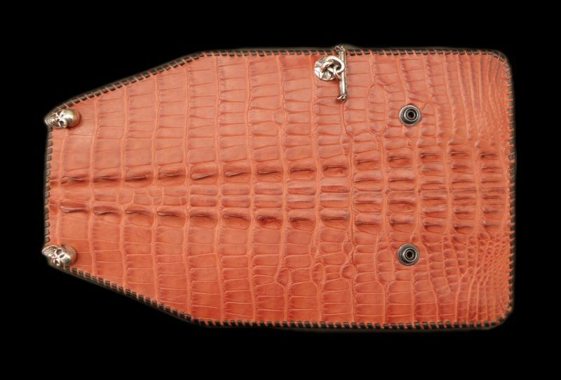 画像1: Crocodile W-Spine Tail Wallet With Skull Button