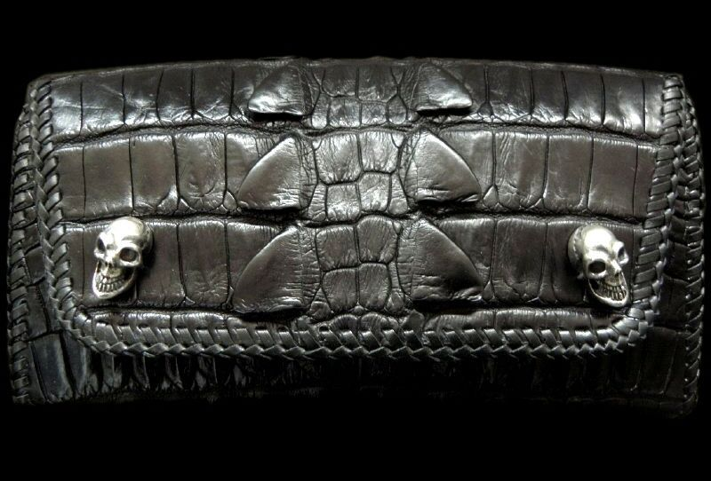 画像1: Crocodile W-Spine Tail All Gusset Wallet With Skull Button
