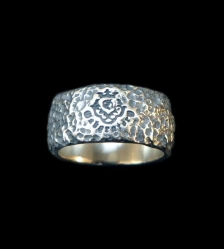画像1: Multi Engraved Large Chiseled H.W.O Ring