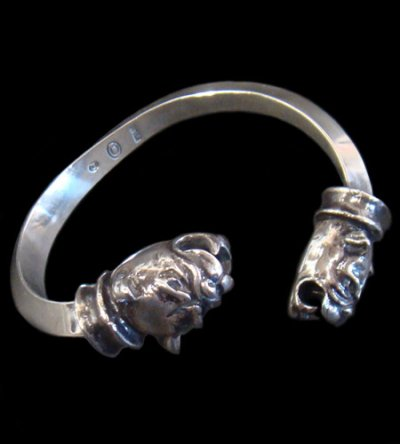 画像1: Old Bulldog With Bolo Neck Triangle Wire Bangle