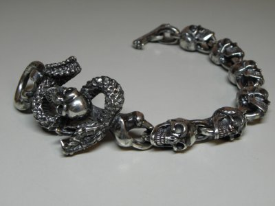 画像3: Skull On Snake With Skulls Links Bracelet