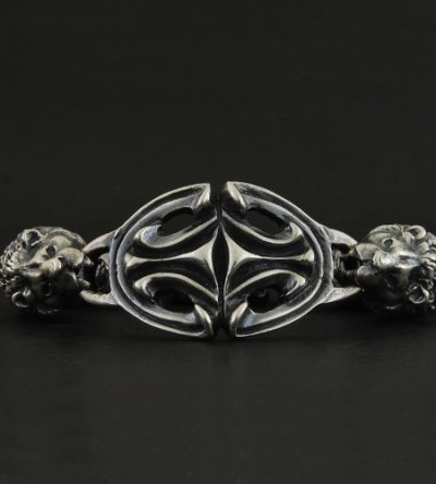 画像3: Sculpted Oval With 2 Lions & 2Skulls Bracelet