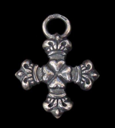 画像1: Half 4Heart Crown Short Cross Pendant