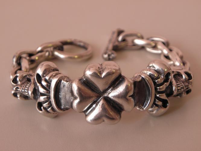 画像3: 2Skull On 4Heart Crown & Chain Links Bracelet