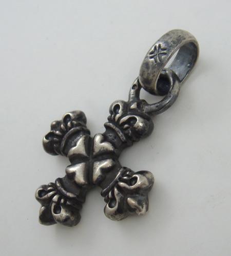 画像3: Quarter 4 Heart Crown Short Cross With H.W.O Pendant