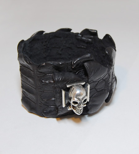画像2: Skull On Iron Cross W-Spine Crocodile Tail Bracelet