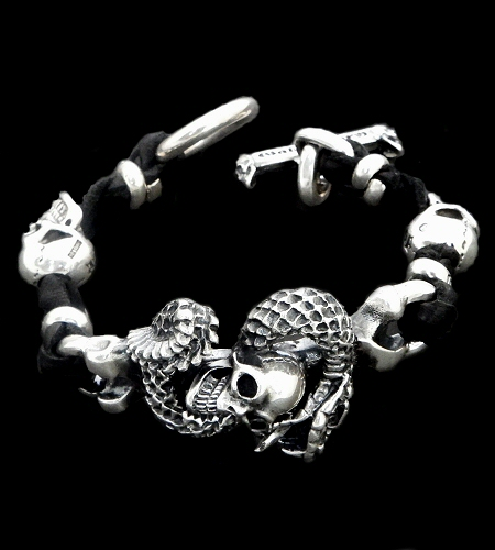 画像1: Skull On Snake With 2Skull On braid leather bracelet