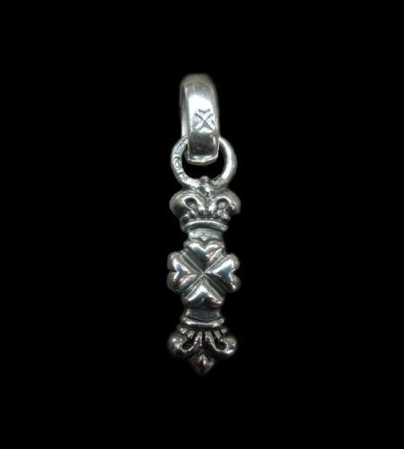 画像1: One Eighth 4 Heart Crown With H.W.O Pendant