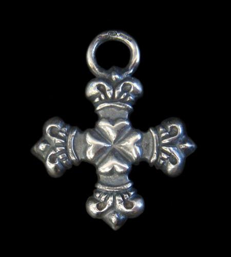 画像1: Quarter 4 Heart Crown Short Cross Pendant